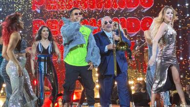 Photo of Reykon triunfa con el cierre de Premio Lo Nuestro junto a Willie Colón